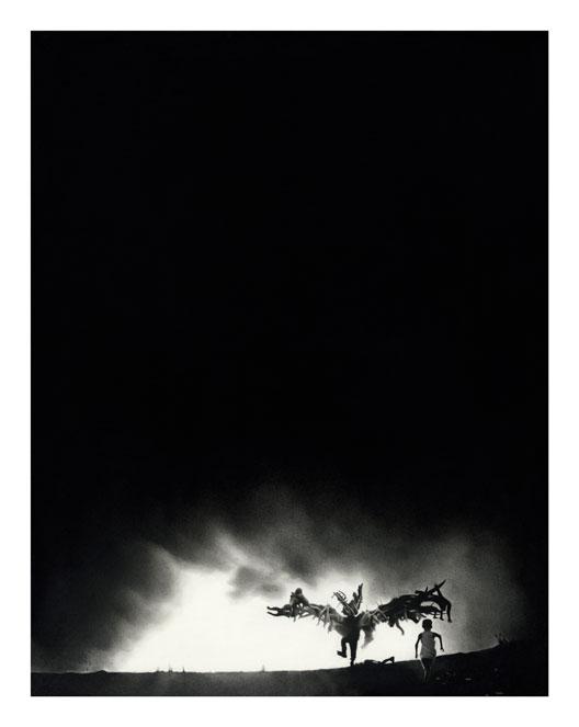 la-rumeur-2015-63x78cm-dessin-pierre-noire-et-graphite-sur-papier-coll